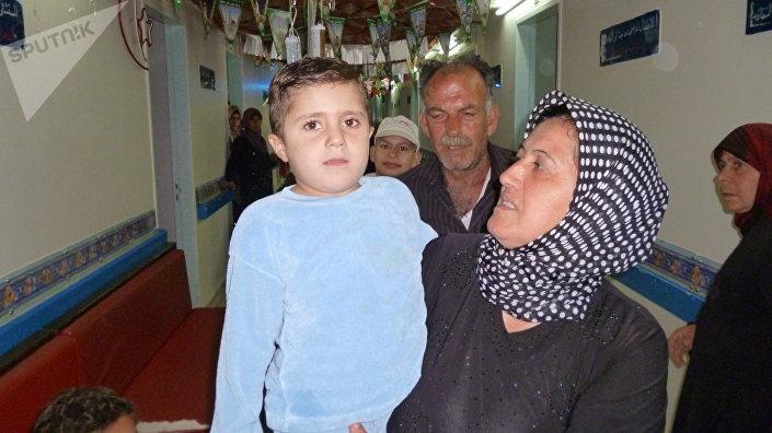 الطفل أحمد هو وجدته وجدة