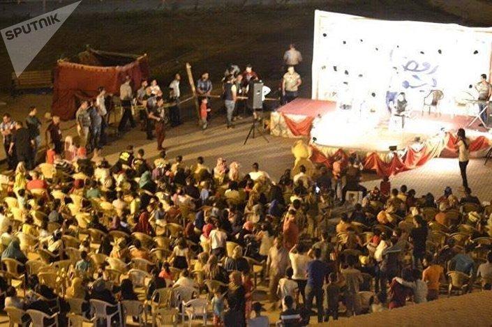 الفرح يجمع عائلات عراقية