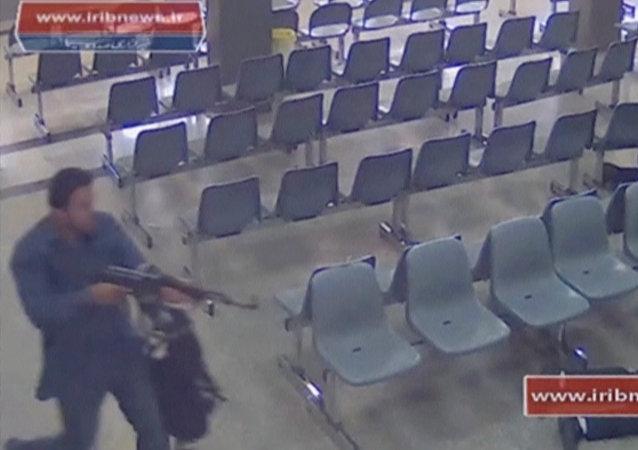 المسلح الذي اقتحم البرلمان الإيراني