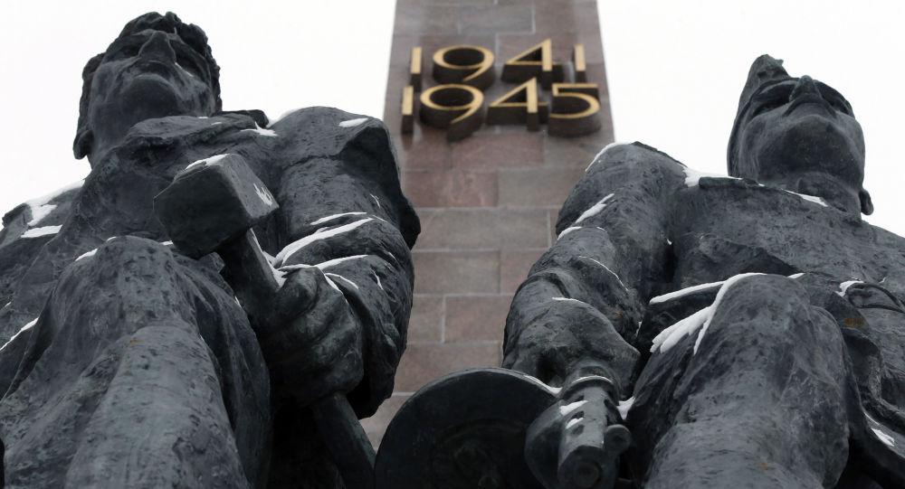 تمثال للمدفاعين عن لينينغراد