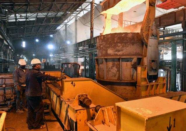 مصنع لصهر المعدن في محافظة حماة، سوريا