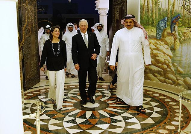 السفيرة الأمريكية في قطر