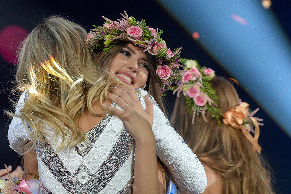 صاحبة المركز الثالث فاليريا سوكولوفا في مسابقة الجمال الوطني ملكة جمال الراديو الروسي