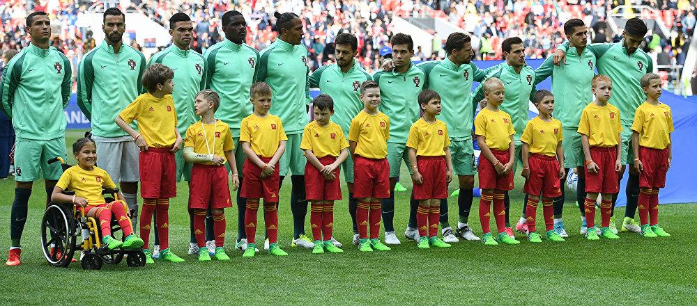 المنتخب البرتغالي في مباراته مع المنتخب الروسي في كأس القارات