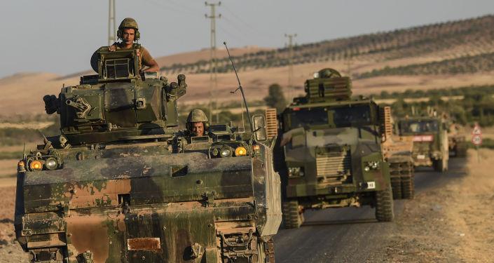 قوات تركية على الحدود التركية السورية