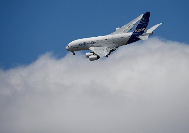 طائرة إيرباص 380