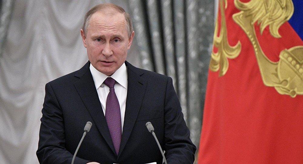 الرئيس الروسي فلاديمير بوتين في الكرملين