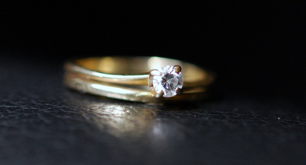 NYPD Cop Stole Dead Man's Credit Card to Purchase a Diamond Ring