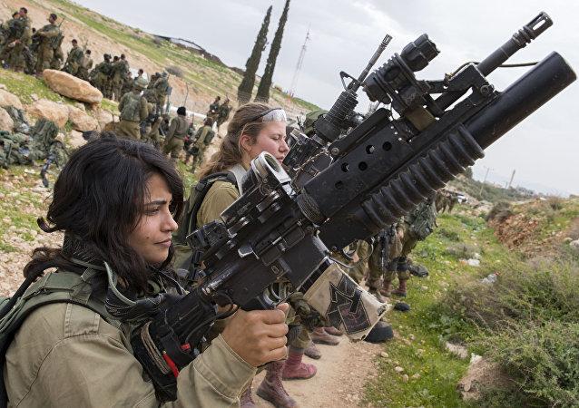 الجنود الإسرائيليات