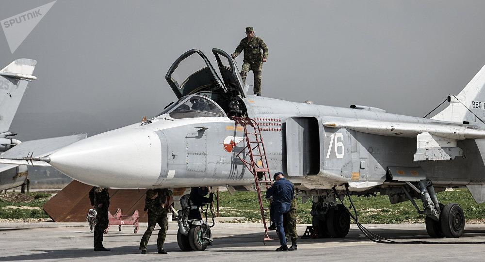 سو-24 في مطار حميميم في اللاذقية، سوريا