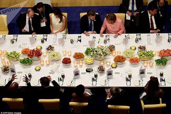 حوار ضاحك بين الرئيس بوتين وميلانيا ترامب في قمة العشرين