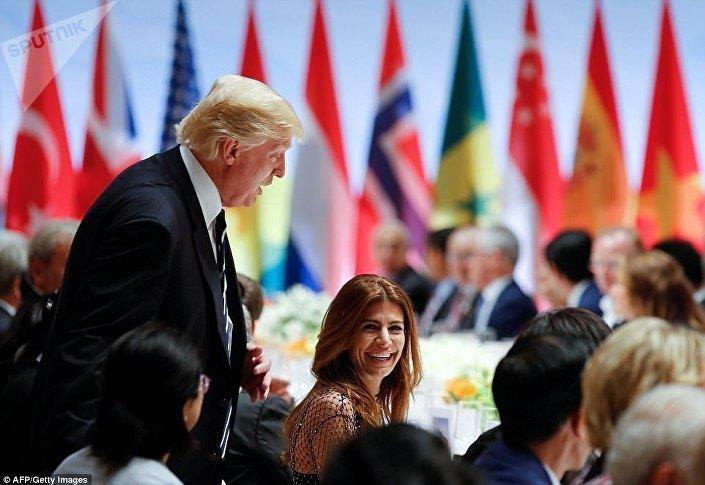 الرئيس الأمريكي في حفل العشاء