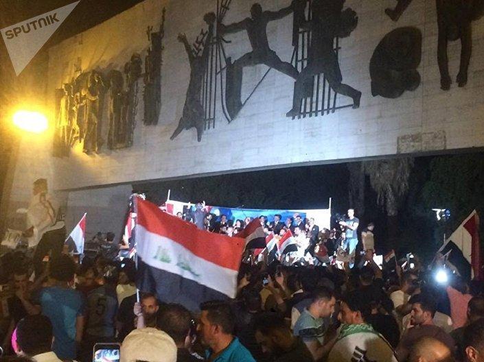 بغداد تغني وترقص احتفالا بالنصر على داعش