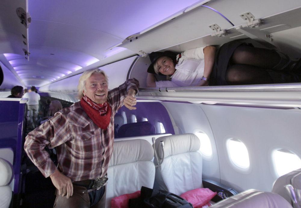 مدير شركة خطوط فيرجين أتلانتيك البريطانية (Virgin Atlantic Airways) ومضيفة الطيران