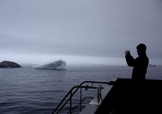 الجيولوجي السويسري ريتشارد سبيكينغز، الذي يدرس التطور التكتوني للقارة القطبية الجنوبية وما يحيطها من جزر، 22 يناير/ كانون الثاني 2017