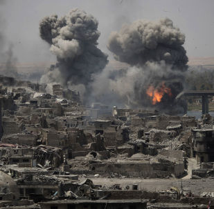 الغارات الجوية على مناطق تنظيم داعش في مدينة الموصل القديمة، العراق 11 يوليو/ تموز 2017