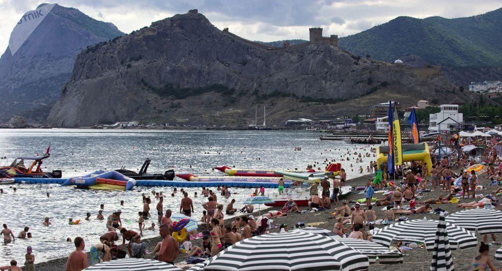 السياحة في القرم - شاطئ سوداك