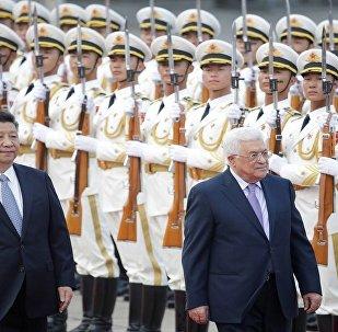 الرئيس الفلسطيني ونظيره الصيني