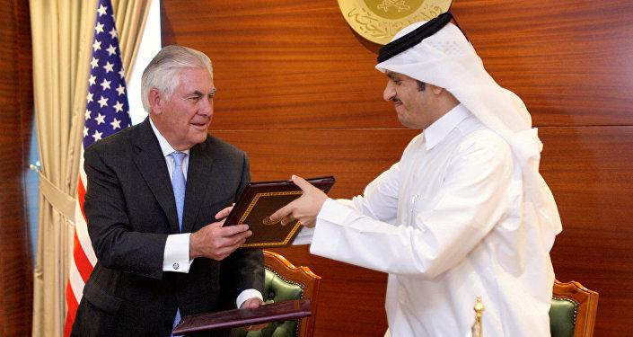 تيلرسون ووزير الخارجية القطري