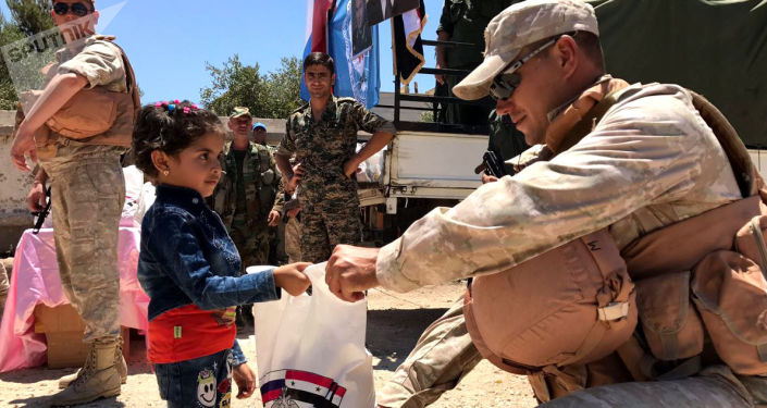المركز الروسي للتوفيق بين الأطراف السورية يقدم مساعدات الإنسانية  في محافظة القنيطرة، سوريا