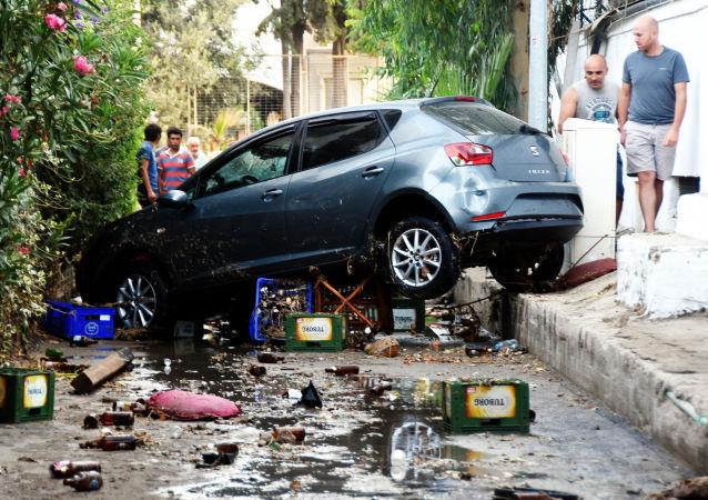 آثار زلزال قوي ضرب مدينة بودروم، تركيا 21 يوليو/ تموز 2017