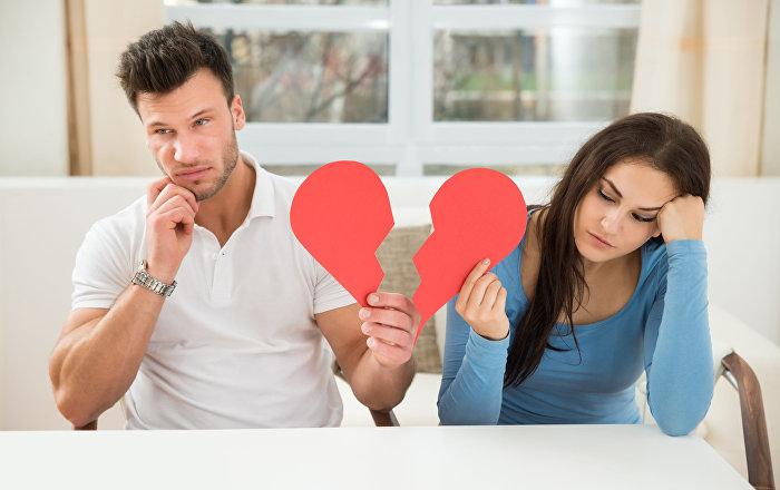 امرأة تحصل على الطلاق على الرغم من صورها الجميلة على مواقع التواصل