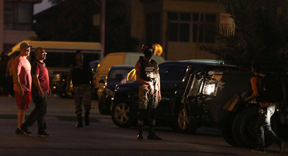الأمن الأردني أمام السفارة الإسرائيلية بعمان