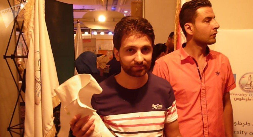 طلبة سوريون يخترعون طرف صناعي لمبتوري الأيدي