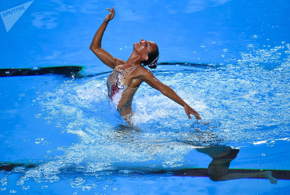 الفريق الإيطالي خلال الأداء في بطولة العالم للسباحة الإيقاعية في بودابست