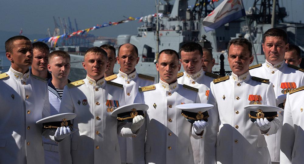 ضباط البحرية الروسية