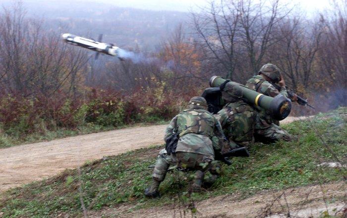 """الولايات المتحدة تعد صواريخ """"جافلين"""" لإرسالها إلى أوكرانيا"""
