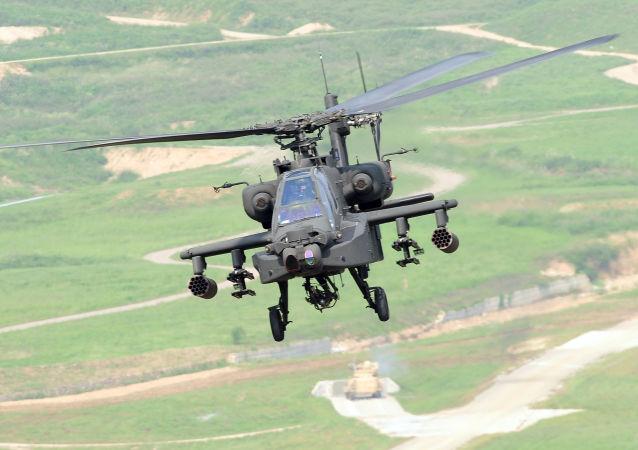 مروحية من طراز AH-64