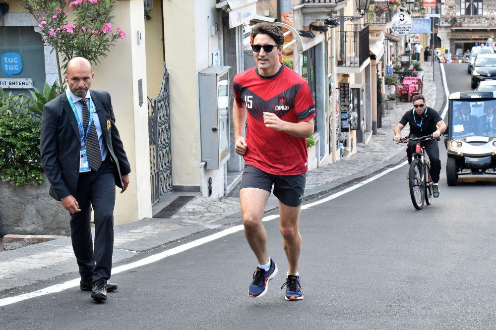 رئيس الوزراء الكندي جاستين ترودو يمارس رياضة الجري