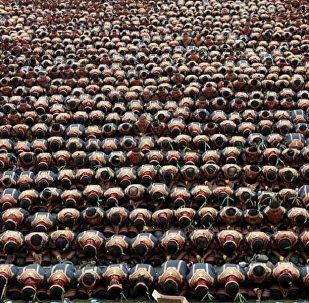 10 آلاف إندونيسي يشاركون في رقصة جماعية