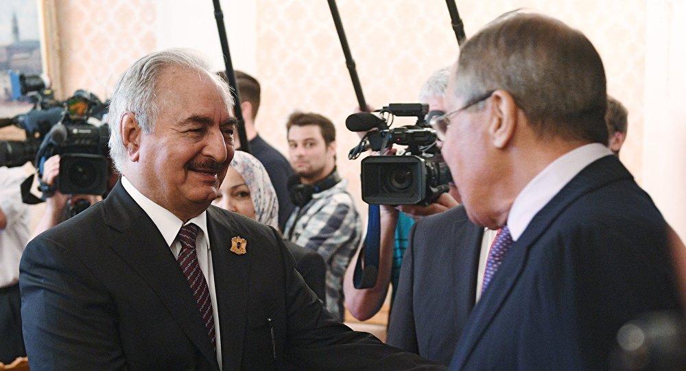 لقاء وزير الخارجية الروسي سيرغي لافروف مع قائد الجيش الوطني الليبي المشير خليفة حفتر
