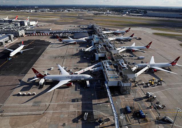 مطار لندن