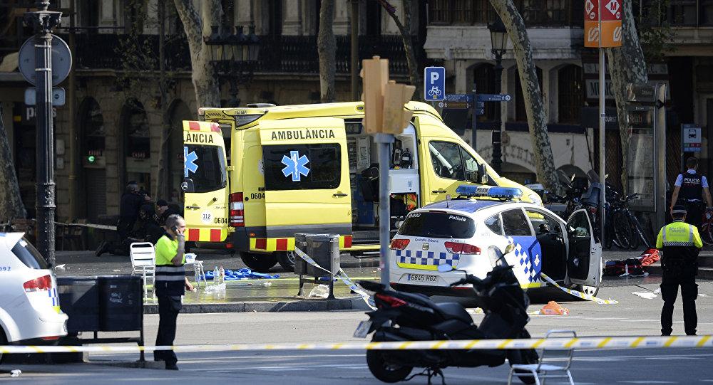 الشرطة والإسعاف مكان الهجوم الإرهابي في إسبانيا