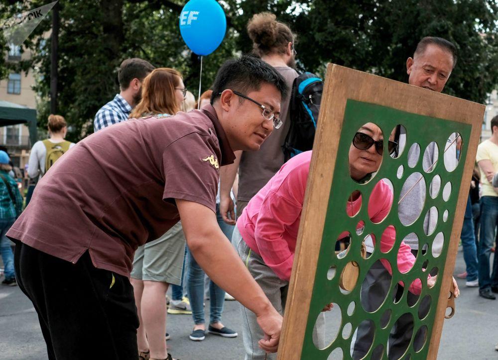 ضيوف مهرجان الثقافة المدنية شوارع حية في سانت بطرسبرغ