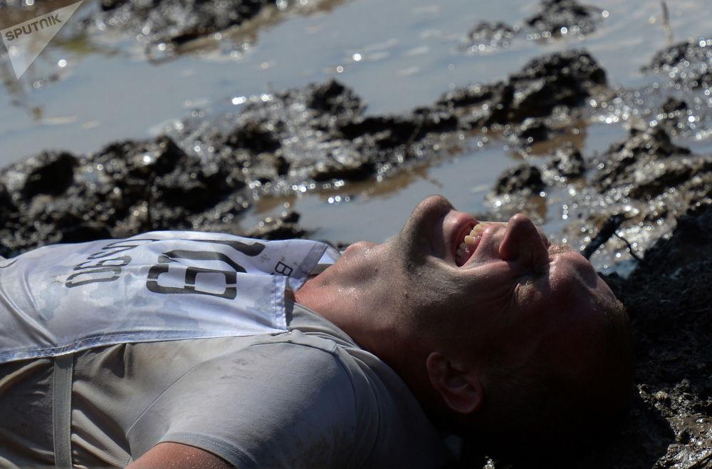 مشارك في سباق الأبطال في مدينة فلاديفوستوك