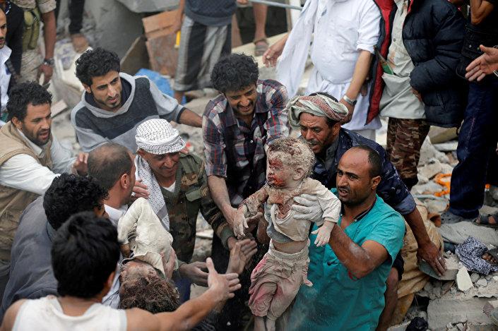 ضربة جوية للتحالف قتلت 35 في صنعاء، اليمن 25 أغسطس/ آب 2017
