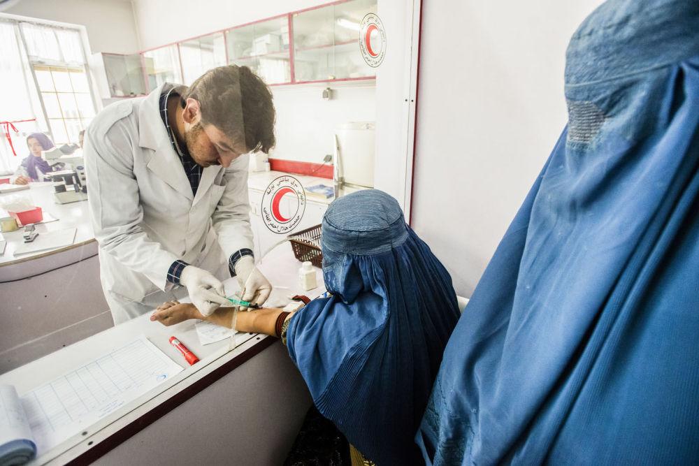 صورة مستشفى الصليب الأحمر في كابول من المصور الكسندر روبيتا