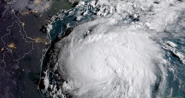 صورة بالقمر الصناعي للإعصار هارفي