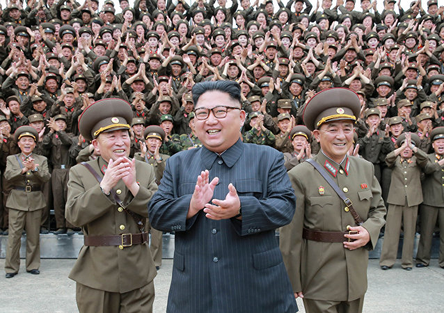 زعيم كوريا الشمالية كم جونغ أون