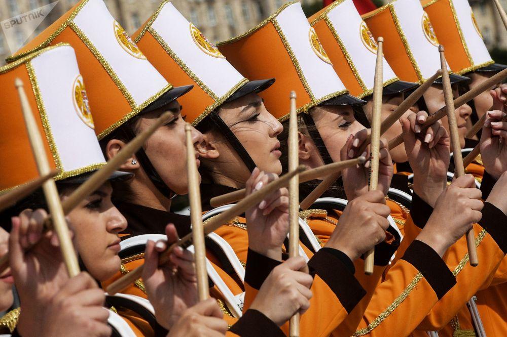 مهرجان سباسكايا باشنيا الدولي للموسيقى العسكرية على الساحة الحمراء في موسكو - فريق أوركيسترا من يريفان، أرمينيا