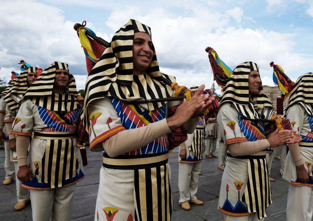 مهرجان سباسكايا باشنيا الدولي للموسيقى العسكرية على الساحة الحمراء في موسكو - فريق أوركيسترا من مصر