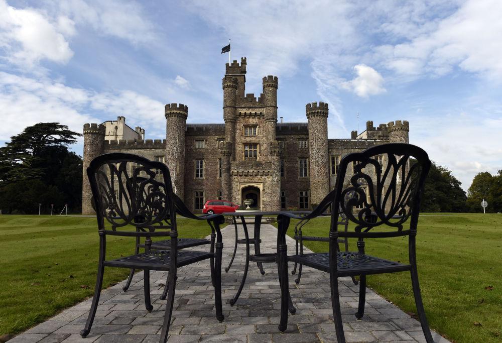 قلعة هينسول في جنوب ويلز