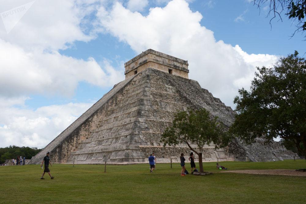 مدينة تشيتشن إيتزا (حضارة مايا)، المكسيك