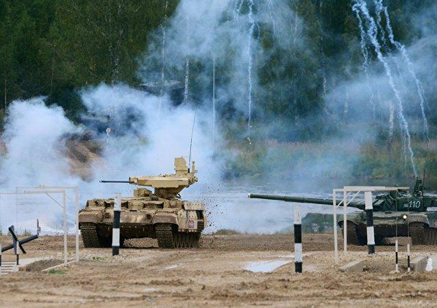 مدرعة ترميناتور ودبابة تي-72