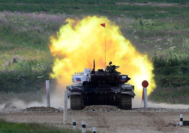 سباق الدبابات البياتلون