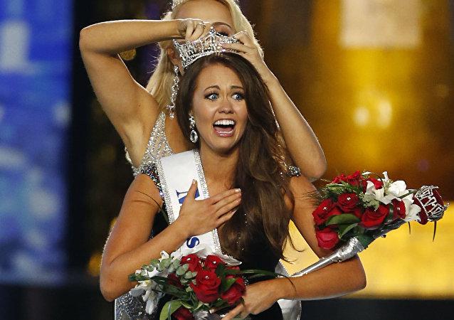 ملكة جمال أمريكا ممثلة ولاية داكوتا الشمالية كارا موند